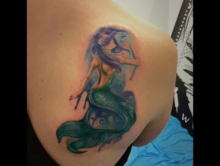 #Colortattoos #Littlemarmaid #Mermaidtattoos Color Shoulder