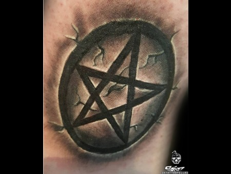 Pentagram Star Detail... Black Grey