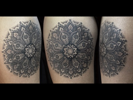 Mandala  Dotwork Black Grey