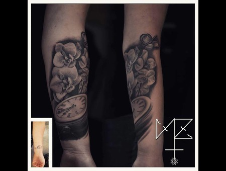 Clock  Flowers Black Grey Forearm