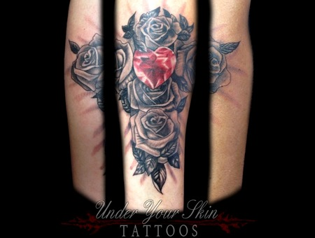 Diamond And Roses Black Grey Forearm