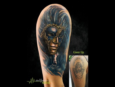 Venice  Venetian  Mask  Coverup  Realistic Color Arm
