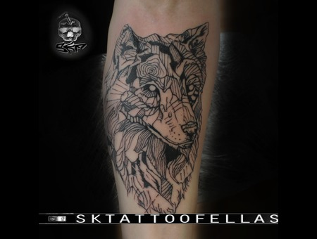Wolf Tattoo Lines Style .... Black Grey Forearm