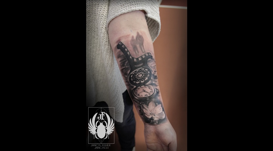 Love2 Black Grey Forearm
