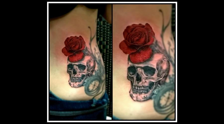 Realistic Rose  Skull Ribs