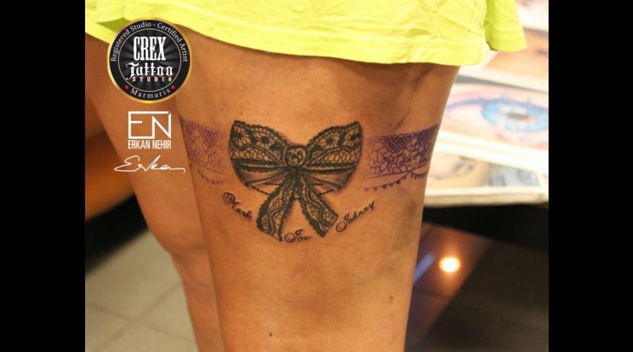 Erkan  Nehir  Tattoo  Artist  Dövmeci  Marmaris  Turkey  Bow  Lace Black Grey Thigh