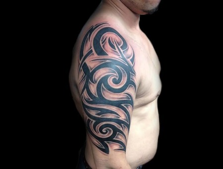 Tribal Black Grey Arm