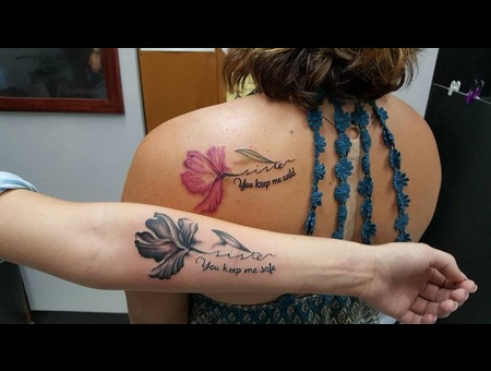Sisters Watercolor Banger Flower Blackandgrey Color Shoulder