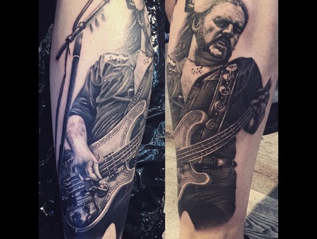Lemmy  Kilmister  Portrait  Guitar  Realistic Black Grey Lower Leg