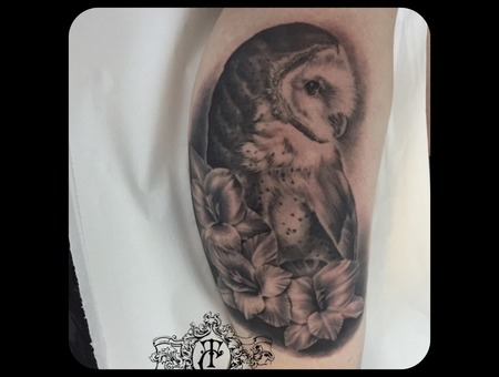 Realistic Owl Flower Black Grey Lower Leg