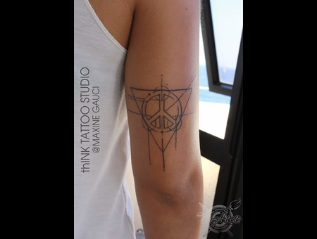 Geometric Peace Sign Black Grey Arm