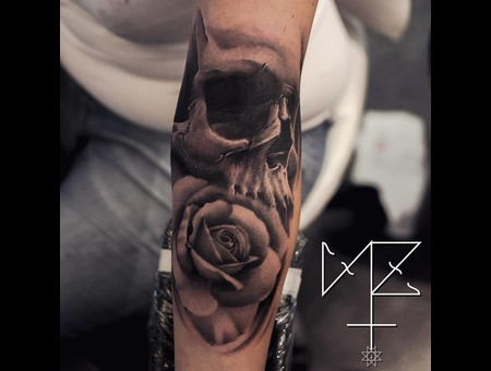 Rose Skull Black Grey Forearm