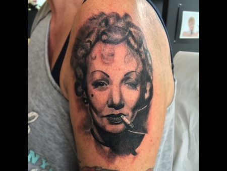 Marline  Portrait  Realism   Black Grey Arm