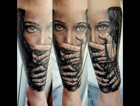 Tattoogirl Evil Realism Aleksanderkuchumov84 Black Grey Forearm