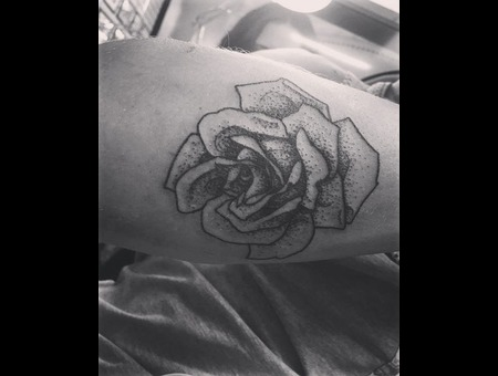 Dotwork  Pointilism  Greyscale  Grey  Black  Flash  Stippling  Rose  Flower Black Grey Forearm