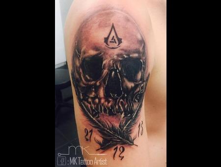 Realistic  Tattoo  Skull  Feather Black Grey Arm