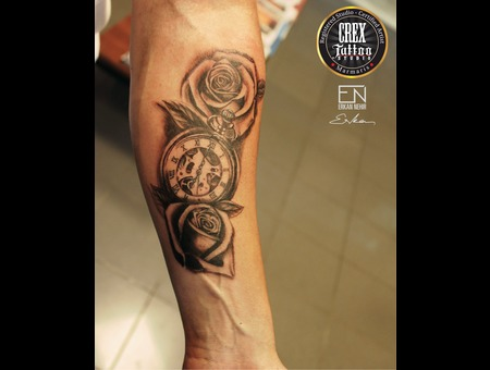 Erkan  Rose  Clock  Nehir  Tattoo  Artist  Dövmeci  Marmaris  Turkey Black Grey Arm