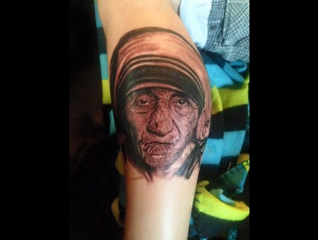 Mother Teresa   Marmaris Tattoo   Artinctattoo  Tattoo Marmatis  Black Grey Lower Leg