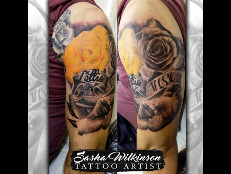 Roses And Baby Feet Color Arm