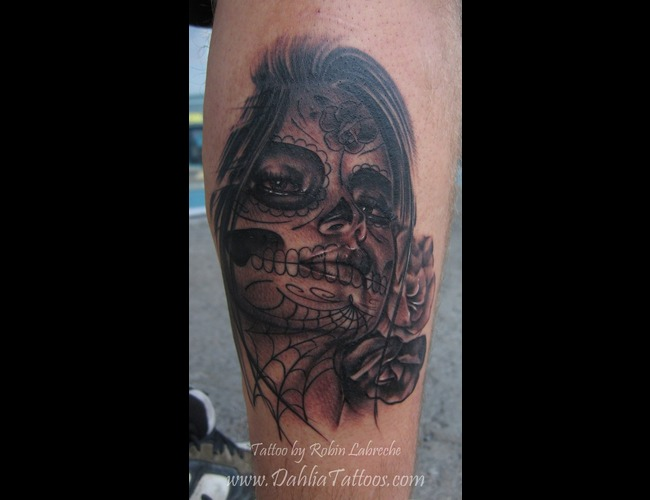 Realism  Black & Grey  Muerte Girl  Roses  Sexy  Calf Black White