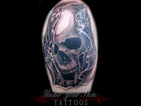 Skull Shells Black Grey Arm