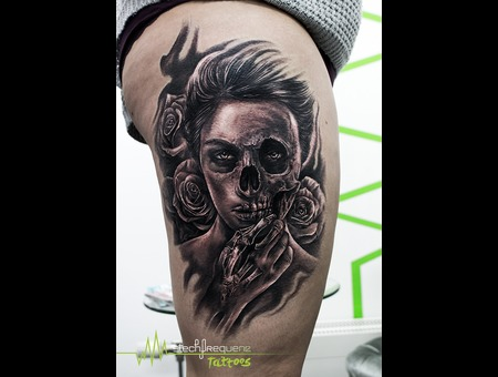 Black And Grey  Black  Skull  Halfskull  Girl  Woman  Flowers  Rose Black Grey Thigh