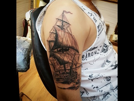 Ship Black Grey Arm