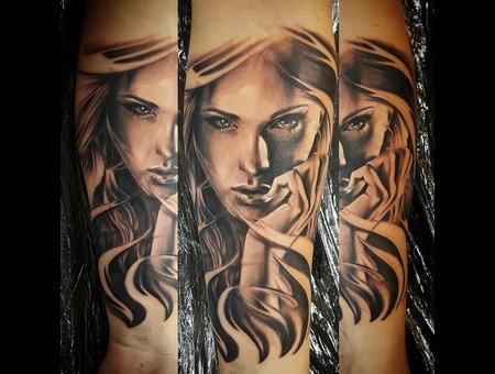 Girl Face  Black Grey Arm