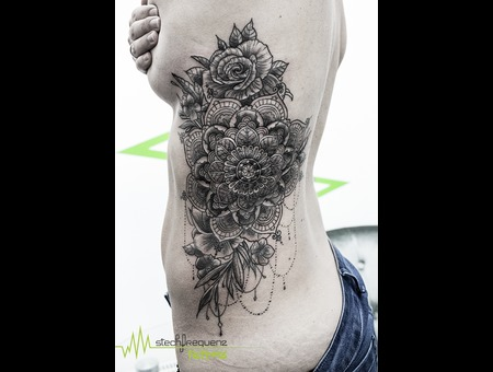 Mandala  Mendhi  Dotwork  Flowers  Floral  Girl Black Grey Ribs