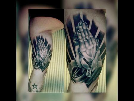 #Tattoo #Dövme #Blackandgray #Hands  Black Grey Forearm