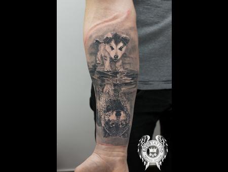 Wolf  Realism Black Grey Forearm