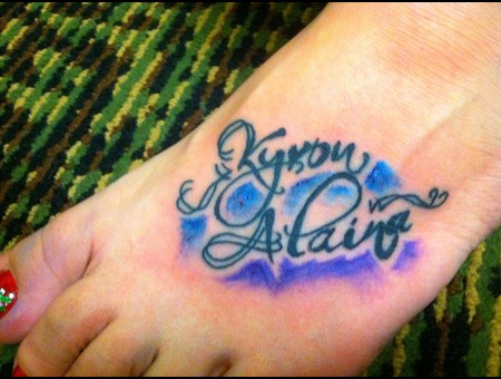 Lettering  Foot Color