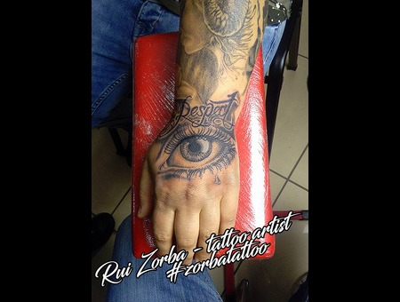 Eye Lettering Black Grey Arm