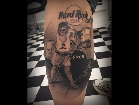 Healed  Portrait  Oldphoto  Drum Black Grey Lower Leg