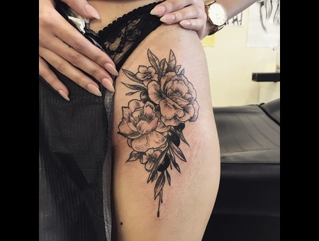 Floral Flower  Black Grey Hip