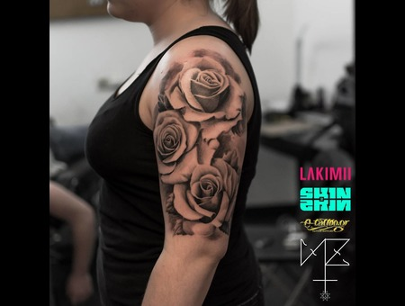 Roses Black Grey Arm