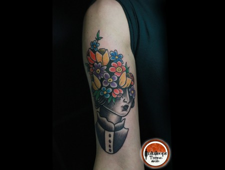 Old School   Flowers  Woman  Color Arm