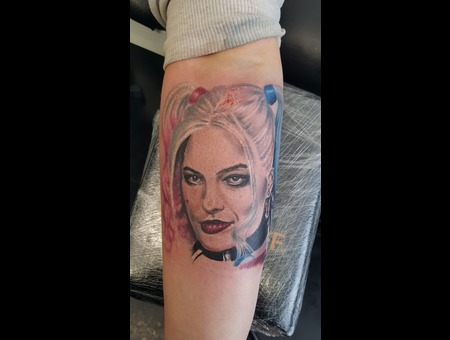 Portrait Color Forearm