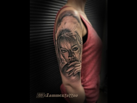 Portrait Realism Tattoo Jammes Jammestattoo Black Grey Arm