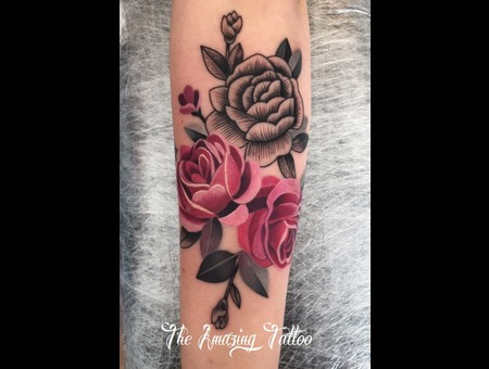 Graphic  Roses Color Forearm