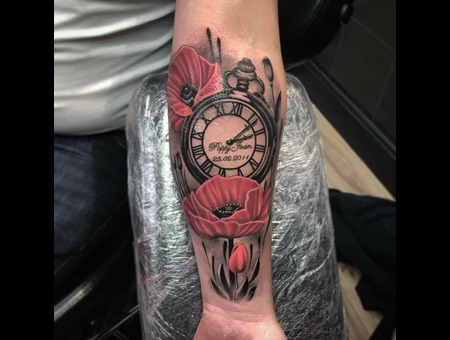 Pocketwatch  Color Forearm
