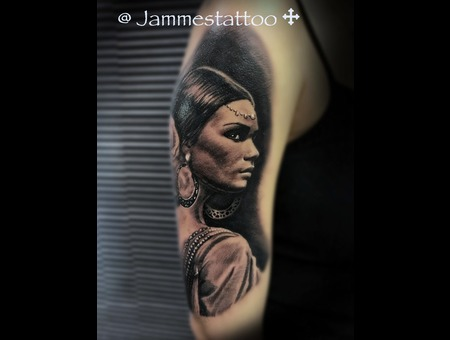 Realistic  Tattoo Black Grey Shoulder