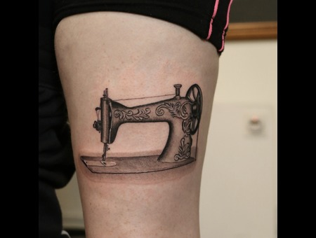 Sewing Machine   Black Grey Thigh