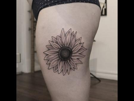 Sunflower Black Grey Thigh