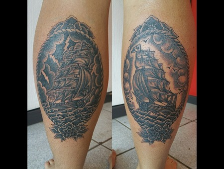 Old School  Schooner  Sailing Ship  Boat  Traditional Black Grey Lower Leg