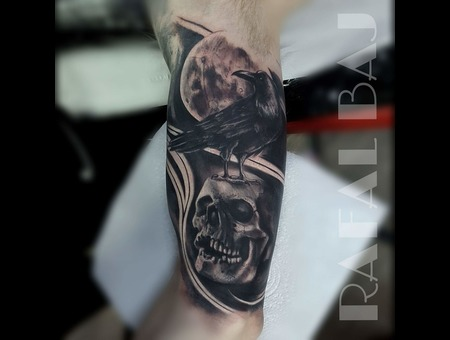 Skull  Raven  Realism  Neotraditional  Contrast Black Grey Arm