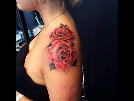 Rose Tattoo. #Inkandarttattoo Color Shoulder