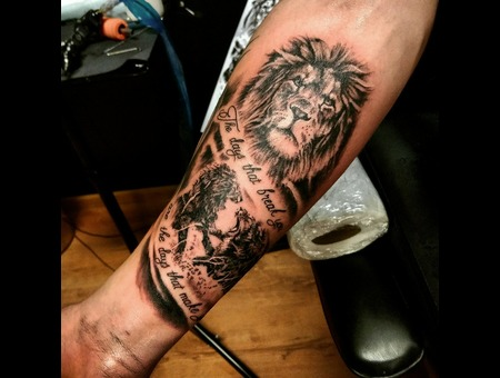 Lion  Memorial Tattoo. #Inkandarttattoo Black Grey Arm
