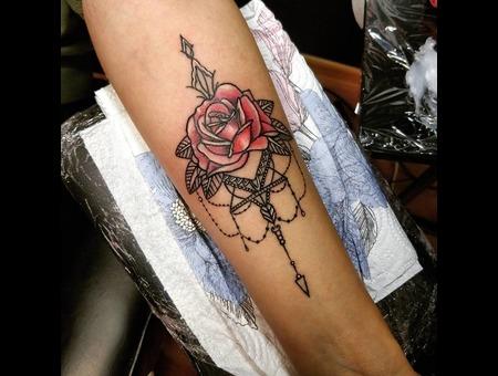 Rose  Jewelry Tattoo. #Inkandarttattoo Ink & Art Tattoo Shop Color