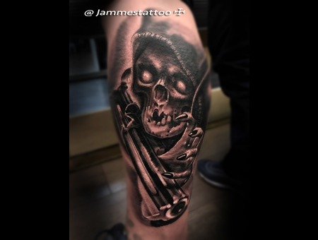 Skull  Greamripper Black Grey Lower Leg